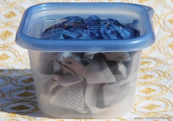 cara menghilangkan bau pada kotak makan
